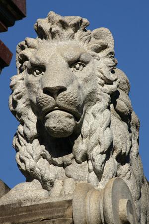 Recoleta Cemetery, Buenos Aires, Ernesto Tornquist, lion