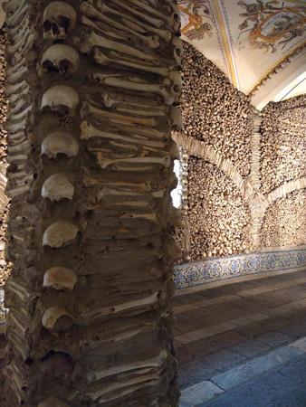 Évora, Portugal, Capela dos Ossos, bone chapel